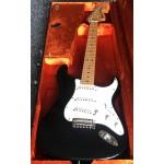 Fender American Vintage 70's Strat.